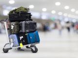 Trucchi per chi viaggia: come imbarcare le valige prima degli altri