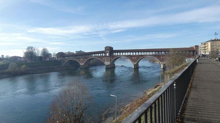 La chiesetta di San Giovanni Nepomuceno sul Ponte Coperto di Pavia