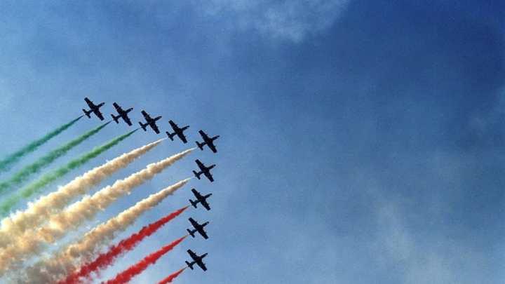 Le Frecce Tricolori a Linate: l'orgoglio italiano che vola nel mondo