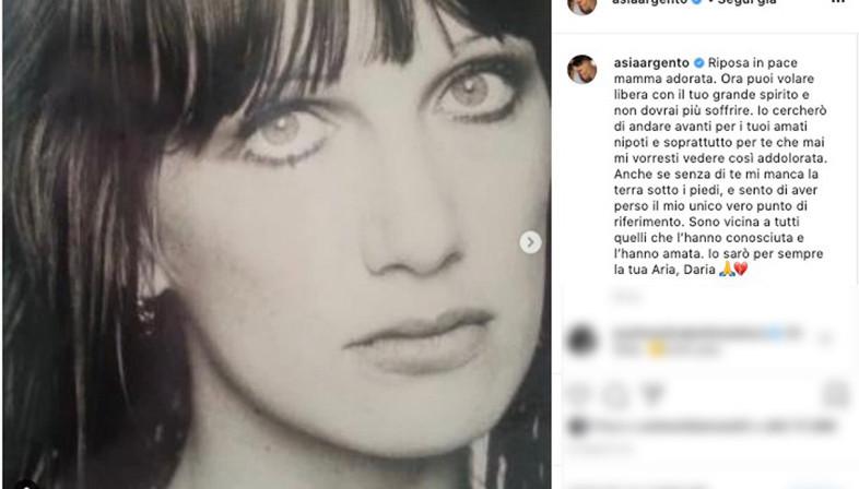 """Addio a Daria Nicolodi, mamma di Asia Argento: """"Ora puoi volare libera"""""""