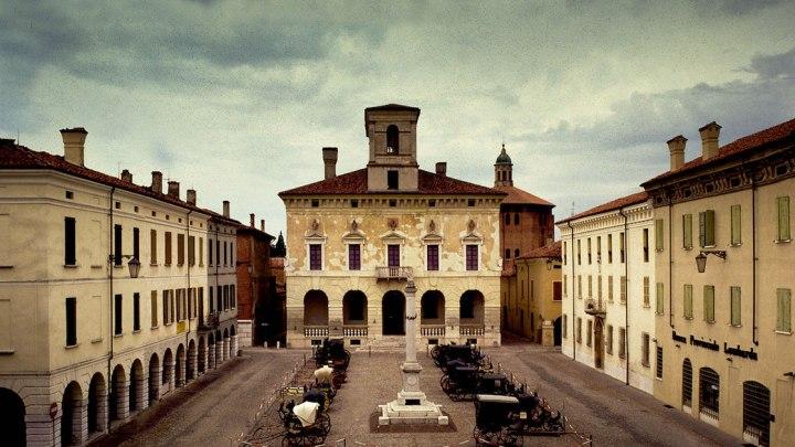 Sabbioneta: da borgo fortificato a esempio di armonia ed eleganza rinascimentale