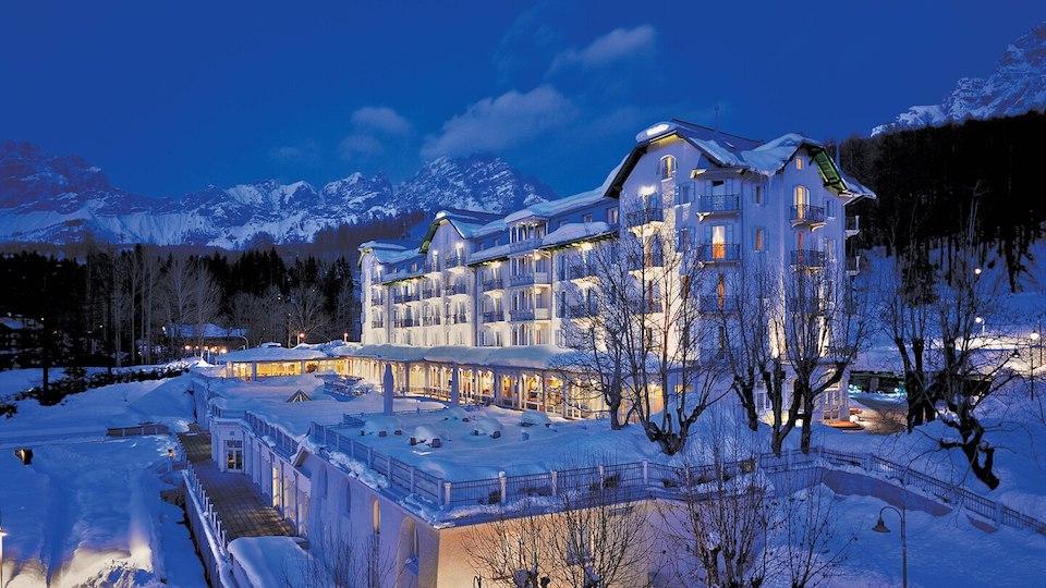 Cristallo Resort & Spa a Cortina d'Ampezzo: festeggia 120 anni e si trasforma in opera d'arte