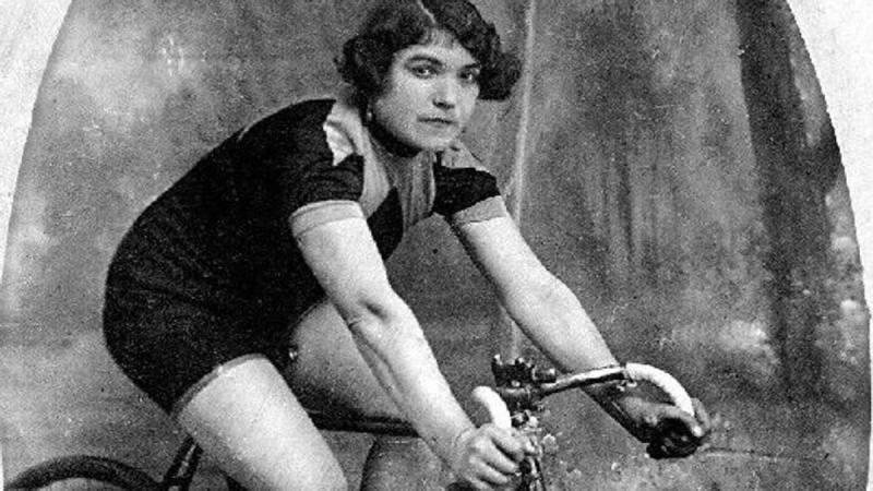 Alfonsina Strada, una donna al Giro d'Italia