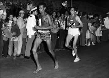 Abebe-Bikila-on-Rome-Marathon