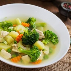 A warm bowl of fat-burning chicken soup.