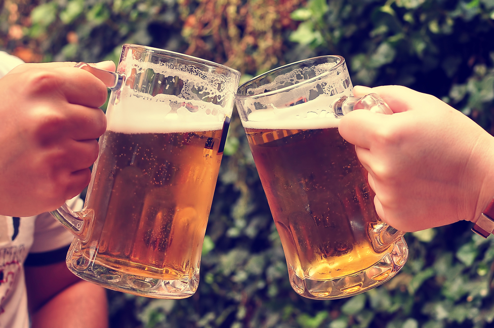 A beer toast-- to your health; can you lose weight and drink alcohol at the same time?