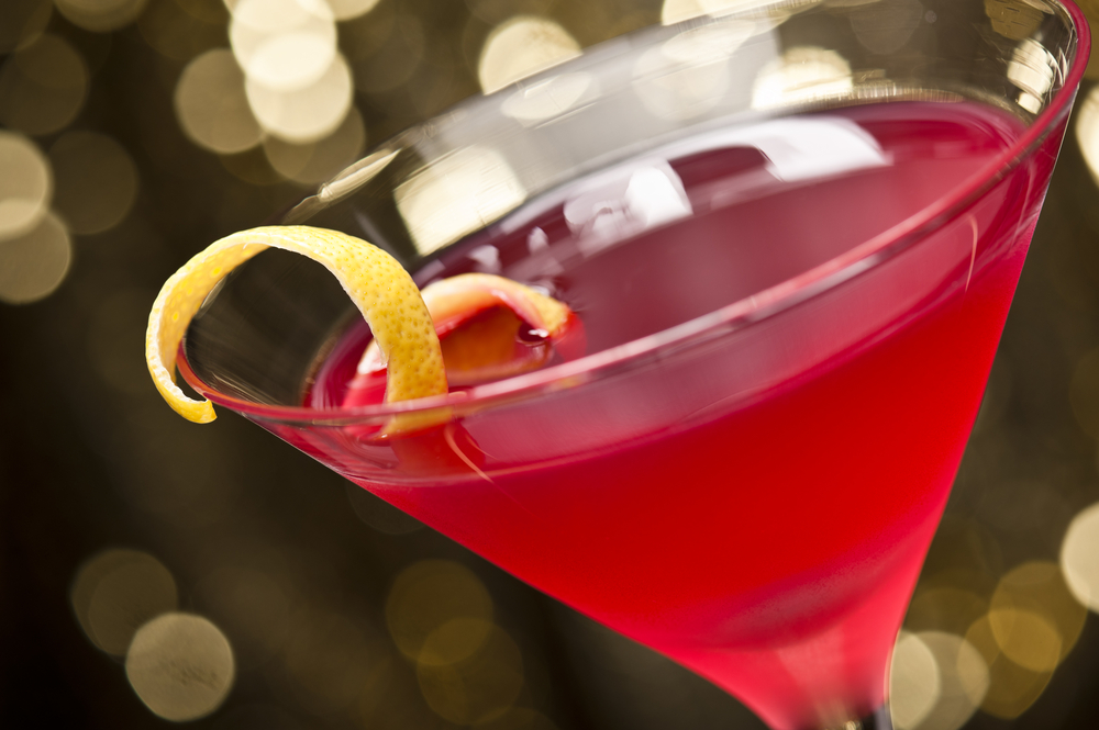 Go alcohol free so you don't gain weight; learn how to make this yummy cosmopolitan for your next cocktail hour.