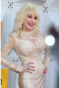 Dolly Parton's incredibly tiny waist is a result of eating low-carb.