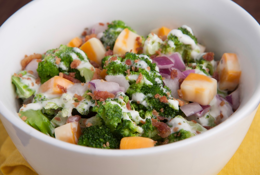 The best and most delicious weight loss program is Personal Trainer Food; you can eat yummy things like Bacon and Ranch Broccoli Salad.