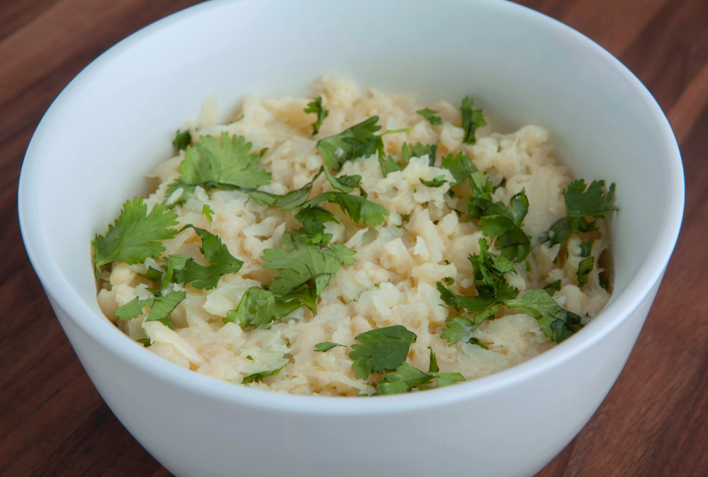 Zesty lime and cilantro cauliflower low-carb rice from Personal Trainer Food.