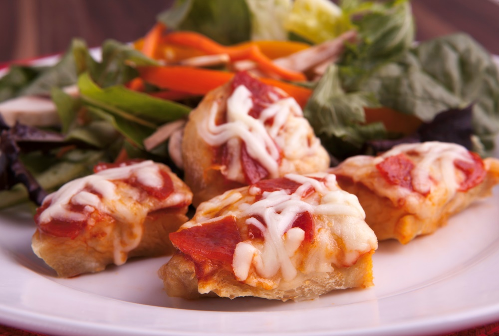 Lose weight now without giving up on taste, try Personal Trainer Food's Chicken Pizza to drop 10 in a week!