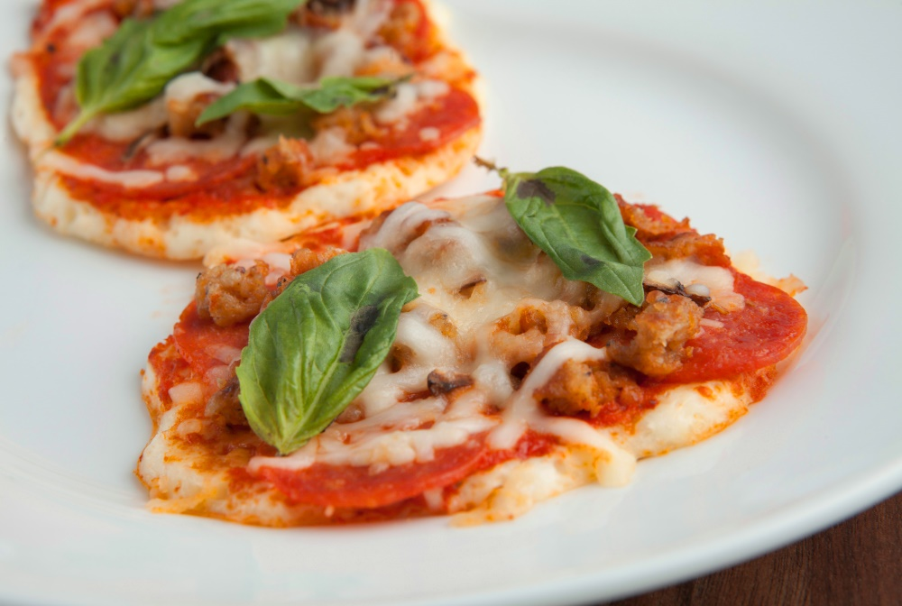 Lose weight fast with this low-carb pizza from Personal Trainer Food.