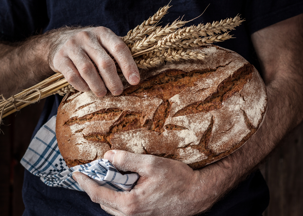 How does wheat and gluten intolerance or allergies cause problems with weight gain and digestion? Read this article to learn about it, and what you can do today if you think you are gluten-intolerant.