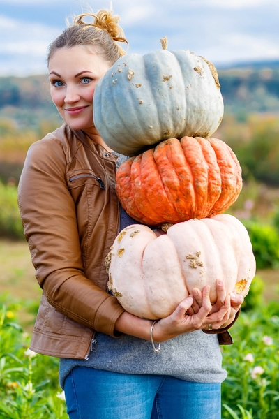 PIn this now for the ultimate list of starchy versus non-starchy vegetables: Which squashes can you eat when you are low-carbing? Personal Trainer Food has the answer.