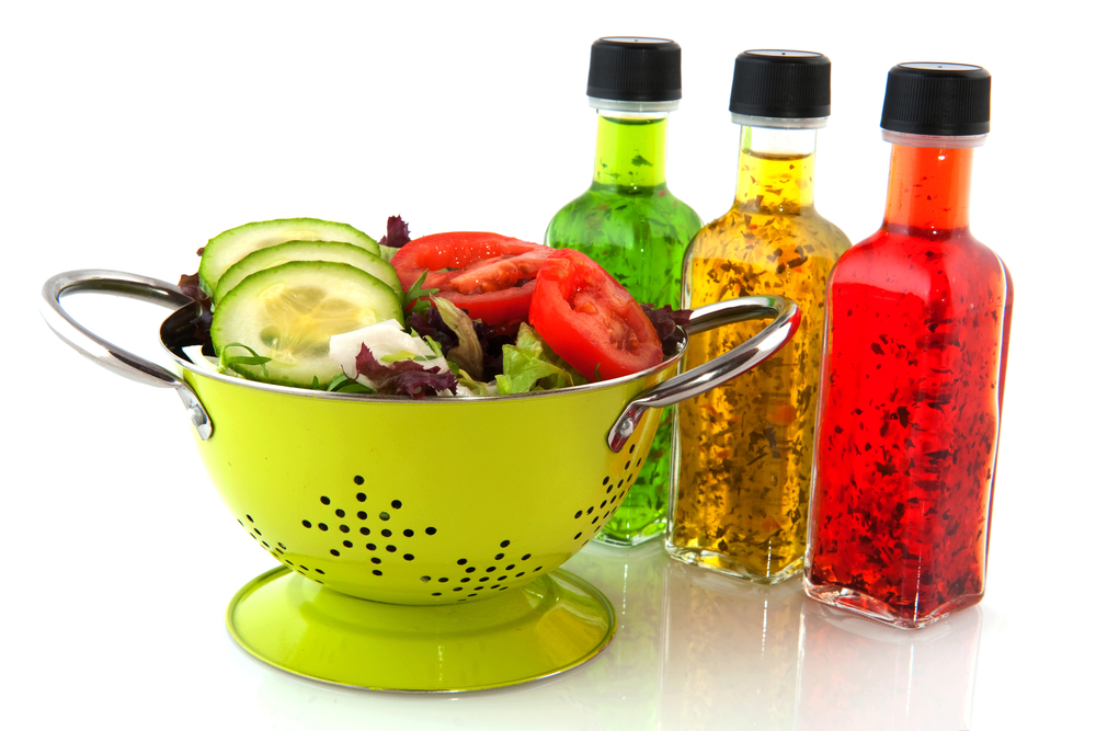 Which salad dressings are ok for low-carb diets? Personal Trainer Food can help you figure that out with this handy list of salad dressings, sauces, condiments, herbs, and spices. Check it out!