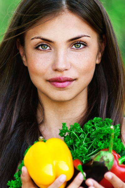 Pin this: Look younger by loading up on nutritious vegetables that are easy to prepare with Personal Trainer Food.