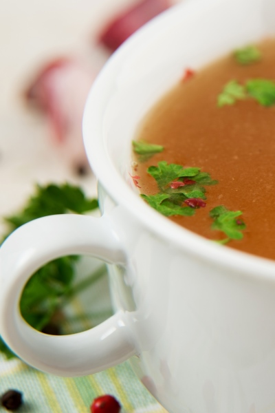 Broth is an amazing weight loss snack, here's the perfect little cup of savory goodness along with 50+ other healthy snack ideas from Personal Trainer Food.