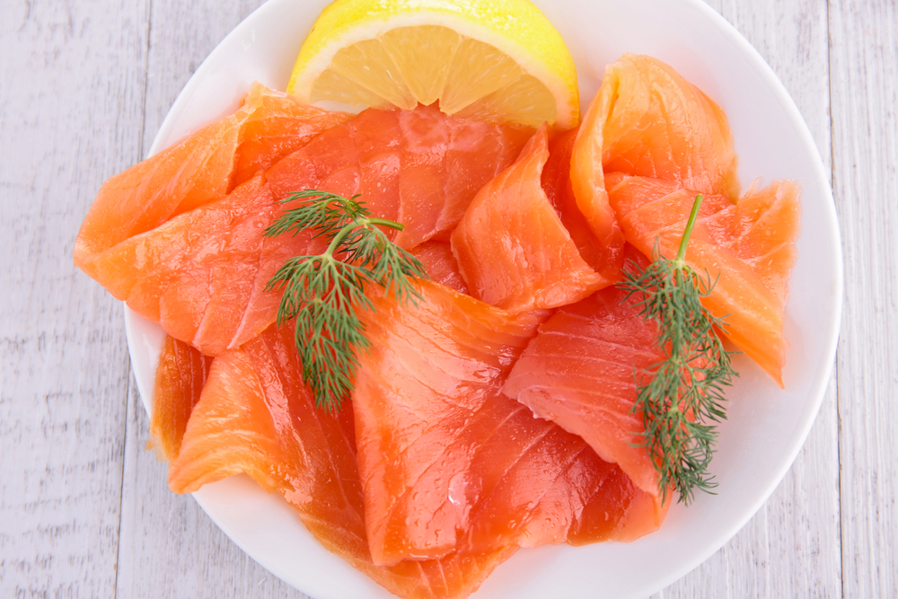 Here's a super heart healthy omega-3 fat and low-carb snack idea that will help you lose weight using salmon from Personal Trainer Food.