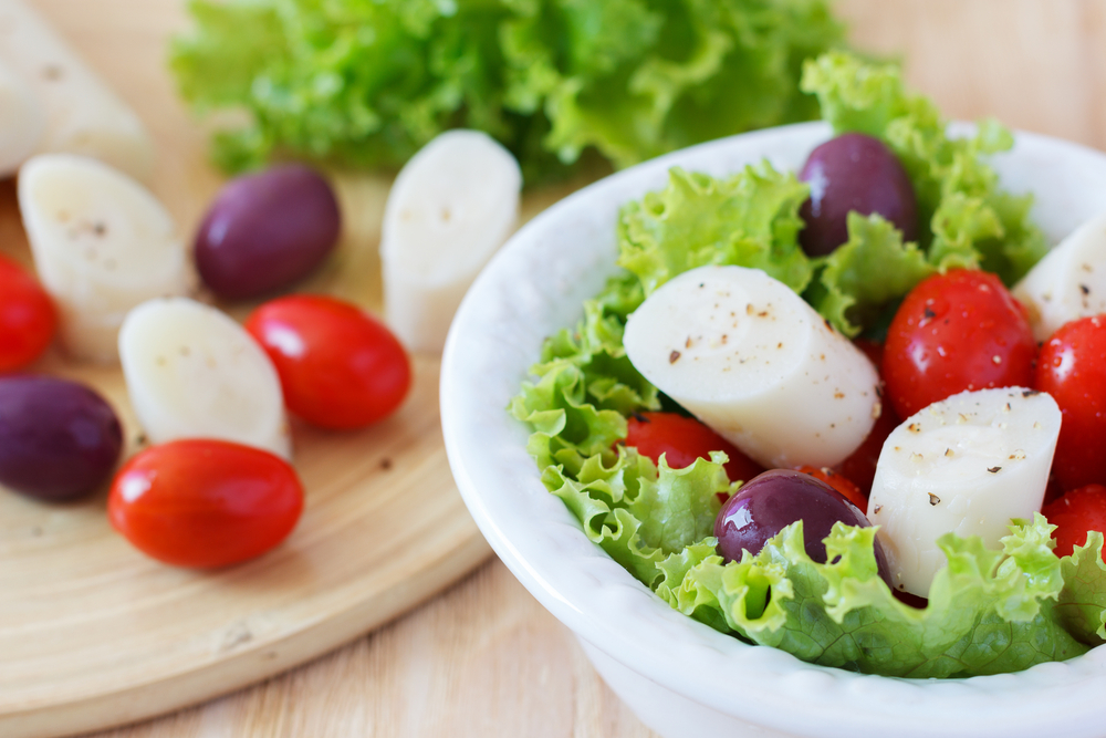 If you snack routine is getting boring, we've got some ideas for you, like this amazing low-carb salad that uses hearts of palm that you can make in minutes from Personal Trainer Food.