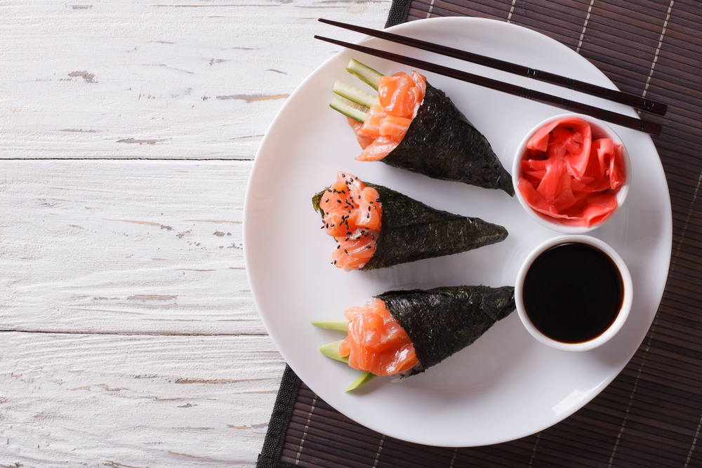 Are you craving sushi but can't eat it because of the rice? Try this low-carb sushi delight (along with 50+ more snack ideas) and lose weight with taste and Personal Trainer Food.