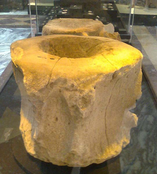 peru tour vertebrae as stools