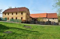 Ferienhaus Za Dubem, der Blick vom Teich