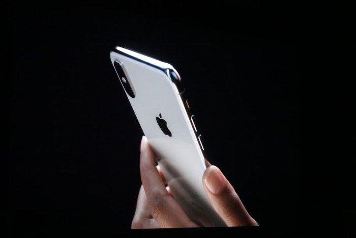 iPhone X: pantalla sin marcos, doble cámara trasera, potencia bruta y más