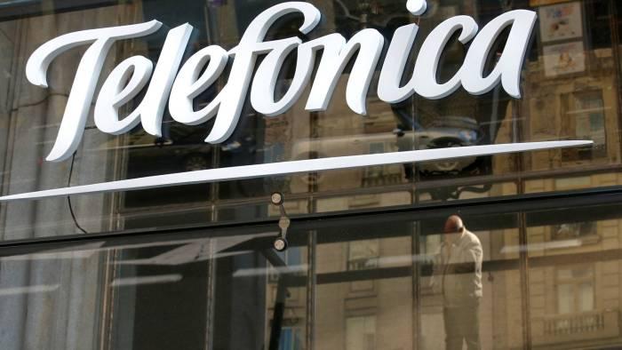 Telefónica lanza plan de «bajas incentivadas» para empleados peruanos