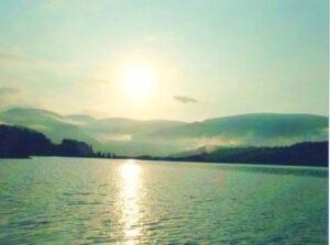 Lago di Polverina sole
