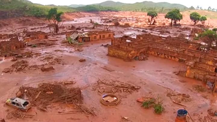 Breaking of the Samarco dam in Mariana-MG