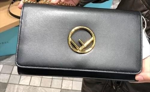SHERALで借りられる、Fendiのショルダーバッグ