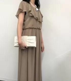 DMMいろいろレンタルのドレス着用画像