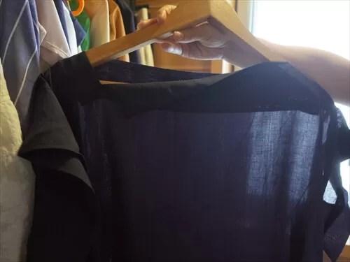 大房さんがメチャカリでレンタルした洋服(黒カットソー)