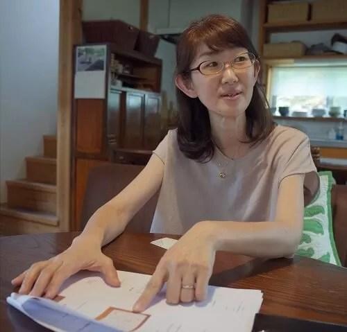 クローゼットオーガナイズの仕分け方について語る大房亜紀さん