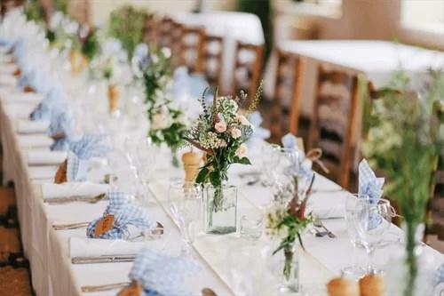 結婚式のテーブル席