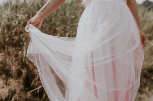 白いチュールスカート
