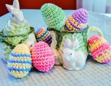 Easter Eggs Crochet Pattern | www.petalstopicots.com