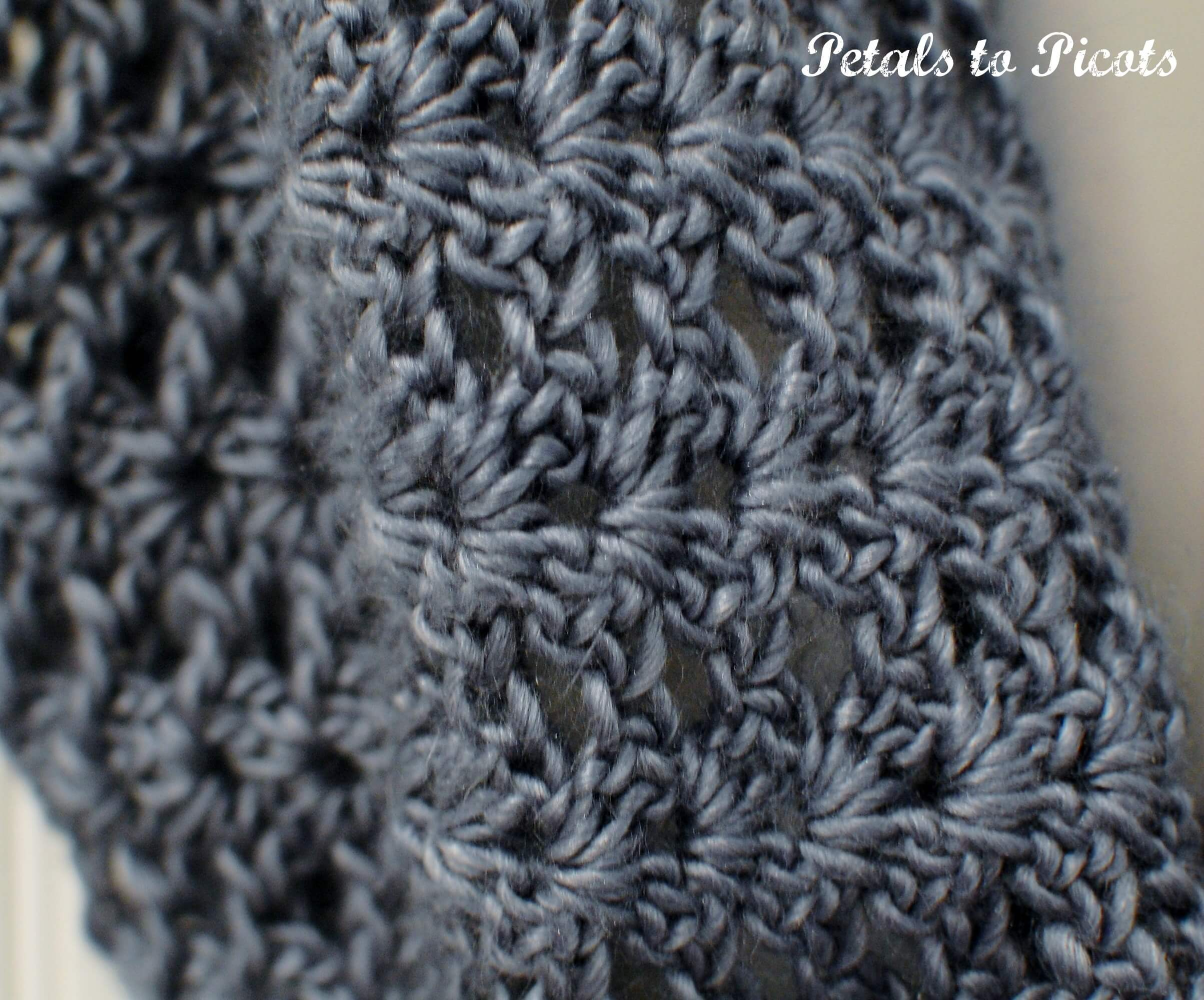 Mobius Infinity Cowl / Scarf   Petals to Picots