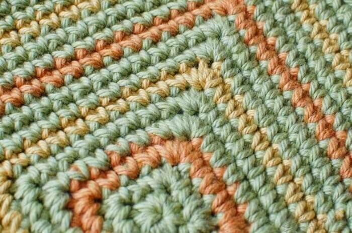 Seeing Squares Crochet Dishcloth Pattern | www.petalstopicots.com | #crochet #fiber