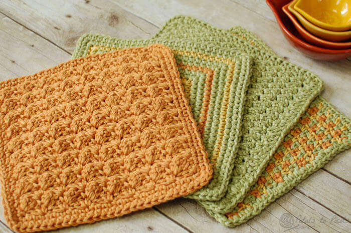 Crochet Dishcloths … 4 Quick and Easy Crochet Dishcloths Patterns | www.petalstopicots.com | #crochet #dishcloth #pattern #kitchen