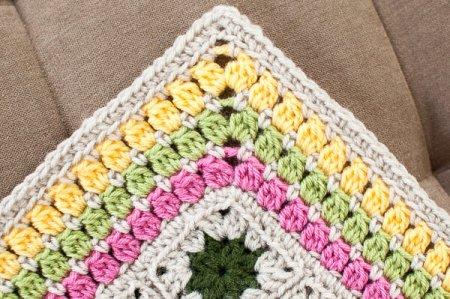cluster burst afghan crochet border pattern (2 of 6)