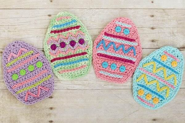 Easter Place Setting Crochet Pattern | www.petalstopicots.com