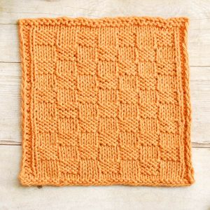 Basket Weave Knit Dishcloth Pattern | www.petalstopicots.com | #knit #dishcloth #washcloth #pattern #kitchen