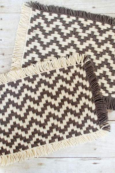 How to Weave Placemats on a Loom