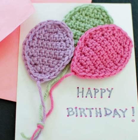 Crochet Balloons Applique Pattern | www.petalstopicots.com |#crochet #balloons #applique