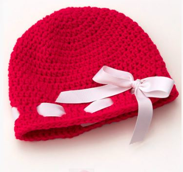 Little Sweetheart Hat Free Crochet Pattern www.petalstopicots.com