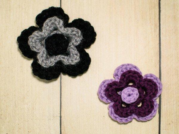 Stacked Flower Crochet Pattern | www.petalstopicots.com | #crochet #fiber