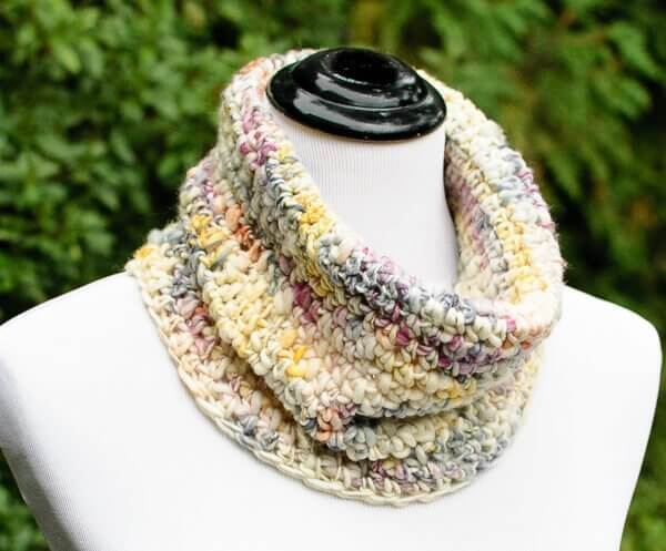 Chunky Crochet Cowl Pattern Perfect For Beginners Petals To
