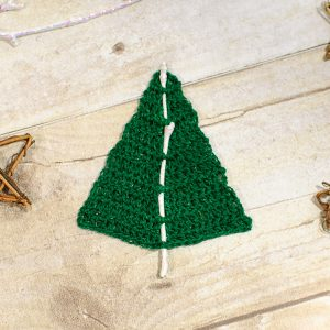 woodland christmas tree free crochet pattern