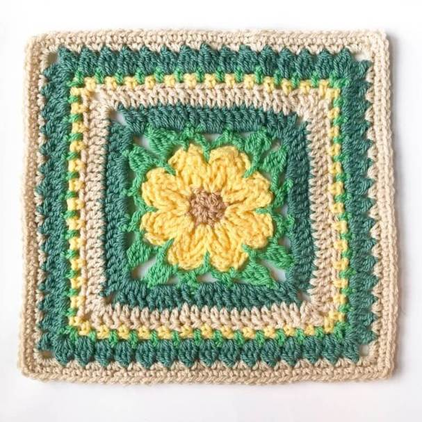 Daisy Afghan Square Crochet Pattern | www.petalstopicots.com